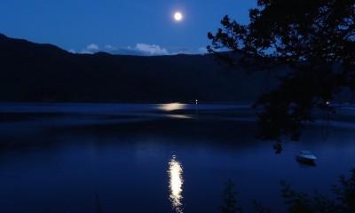 moon-65957_1920